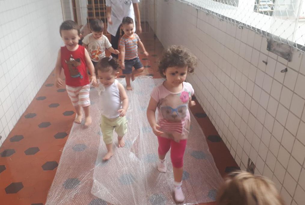 [Semana da Criança - Berçário - Plástico bolha]