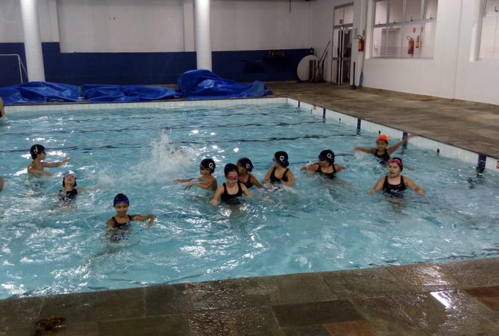 [Primeiro dia de natação do 3º ano A. Organização total!]