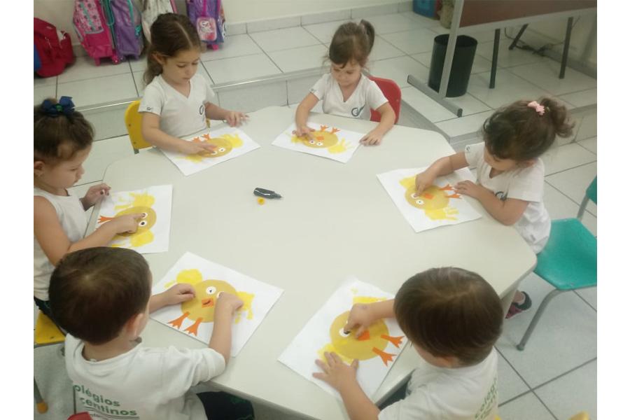 [Oficina de Arte - Trabalhar a percepção a textura, cores, desenvolvimento de habilidades motoras - Integral I]