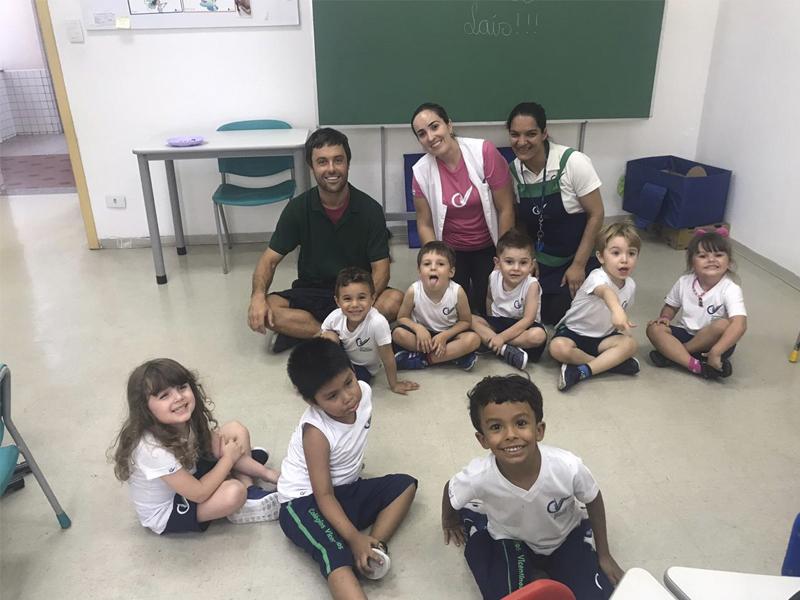 [Visita do ex-aluno Kayky Brito no Colégio São Vicente de Paulo Penha]